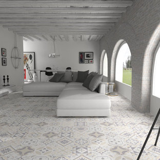 Open plan Moroccan style living space - Walls and Floors