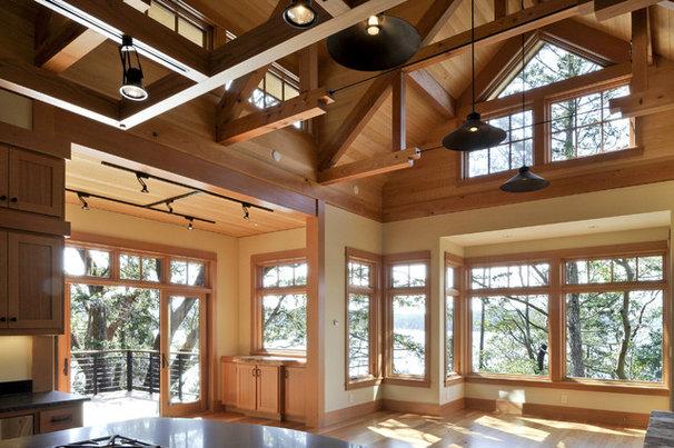 Rustic Living Room by David Vandervort Architects