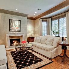 Traditional Living Room by Rosewood Custom Builders