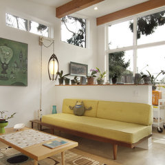 modern living room by First Lamp