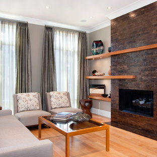 Mid-sized trendy living room photo in Chicago with beige walls