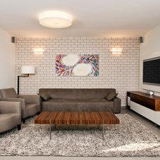 Modern Living Room by ori ganon