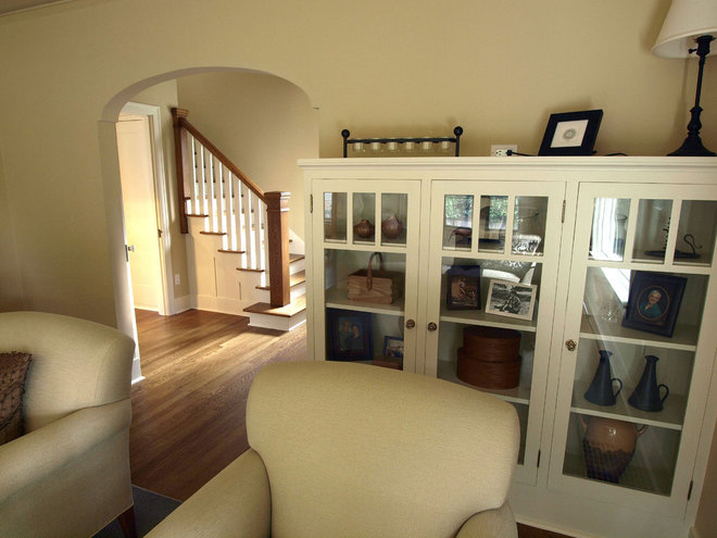 Traditional Living Room by John Prindle