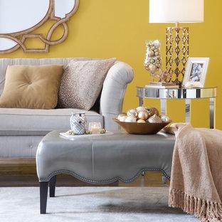 Diseño de salón abierto, grande, sin chimenea, con paredes beige y moqueta