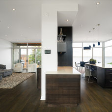 Contemporary Living Room by Christopher Simmonds Architect