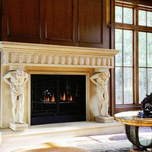 トロントの中サイズのヴィクトリアン調のおしゃれな独立型リビング (フォーマル、茶色い壁、トラバーチンの床、標準型暖炉、石材の暖炉まわり、テレビなし、ベージュの床) の写真