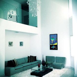 Idee per un ampio soggiorno classico aperto con pareti bianche, pavimento in linoleum e nessun camino