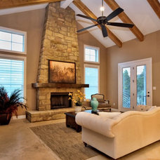 Traditional Living Room by Hennessee Homes