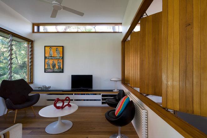 Contemporary Living Room by Matt  Elkan Architect