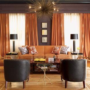 サンフランシスコの大きいコンテンポラリースタイルのおしゃれなLDK (紫の壁、無垢フローリング、茶色い床) の写真