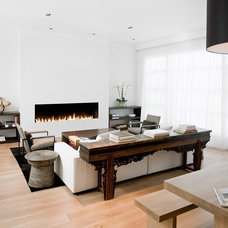 modern living room by Nicole Hollis