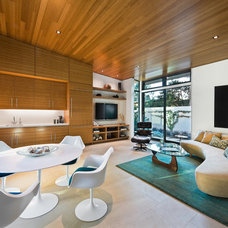 Modern Living Room by Dana Berkus Interiors