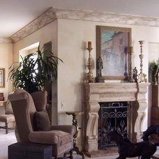 Traditional Living Room by Interior Art