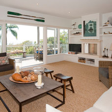 Beach Style Living Room by Annabelle Chapman Architect Pty Ltd