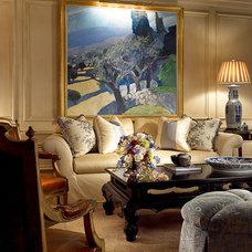 Traditional Living Room by William R. Eubanks Interior Design, Inc.