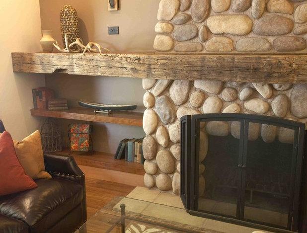 Rustic Living Room by Tali Hardonag Architect