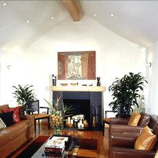Modern Living Room by Design Loft Company