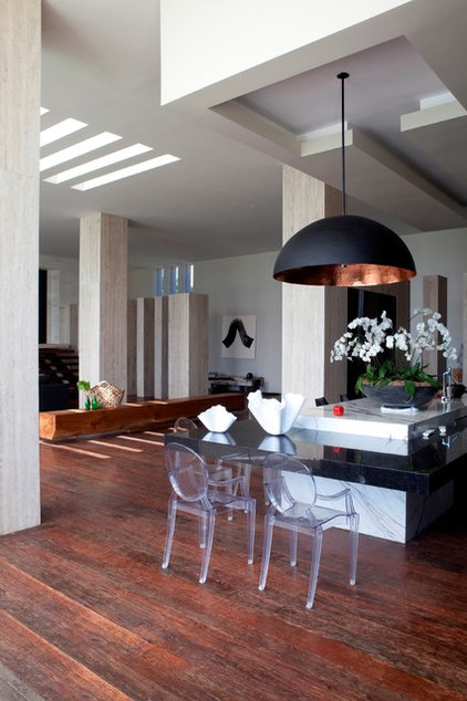 Modern Living Room by Seriously Designed