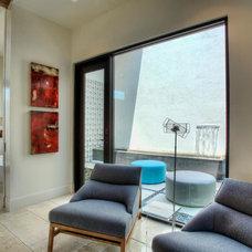 Modern Living Room by Progressive Solutions / Renaissance Bronze Windows