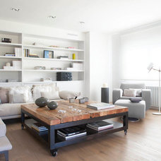 Contemporary Living Room by Susanna Cots