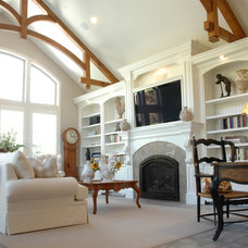Traditional Living Room by STEVE PERRY'S DESIGN SOLUTIONS & CONSTRUCTION INC.
