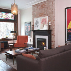 modern living room by Jenn Hannotte / Hannotte Interiors