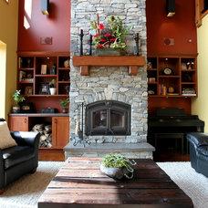 Traditional Living Room by Habitat Studio