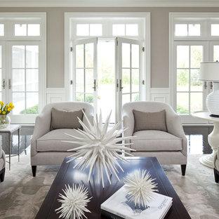 Ejemplo de salón para visitas abierto, tradicional, extra grande, con paredes grises