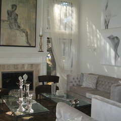 contemporary living room by Patricia Bonis Interiors, Inc.