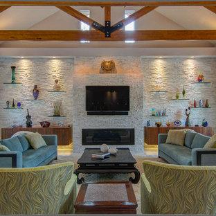 Immagine di un ampio soggiorno design aperto con camino lineare Ribbon, cornice del camino in pietra, TV a parete e pavimento in gres porcellanato