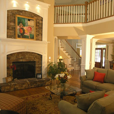 Traditional Living Room by Constable Builders Inc.