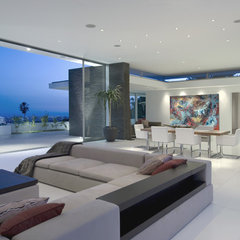 modern living room by Abramson Teiger Architects