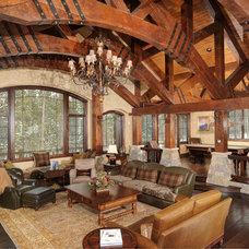 Rustic Living Room by Rockridge Building Company