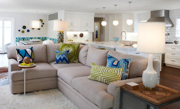 How to Get Your Accent Pillows Right. Living Room Accent Pillows. Home Design Ideas