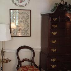 Farmhouse Living Room by Robinson Interiors