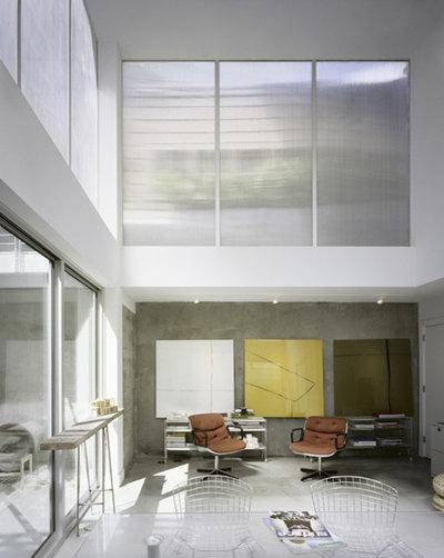 Modern Living Room by Nilus Designs