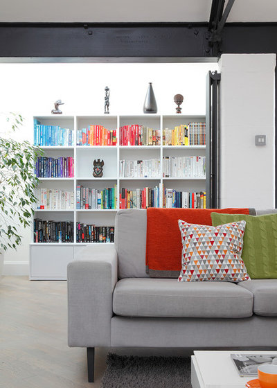 Contemporary Living Room by Ensoul Ltd