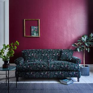 ロンドンの中サイズのコンテンポラリースタイルのおしゃれなリビング (フォーマル、紫の壁、塗装フローリング、白い床) の写真