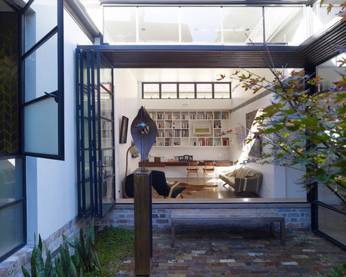 The industrial aesthetics of smee schoff house in australia