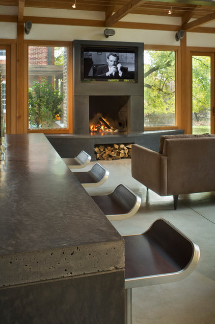Contemporary Living Room by ConcreteWorks East