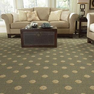 Immagine di un grande soggiorno chic aperto con moquette, pareti beige e pavimento verde