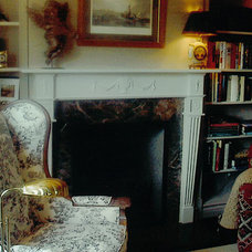Traditional Living Room by pierre senechal