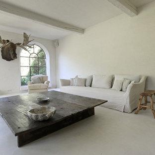 Idee per un soggiorno classico di medie dimensioni con pareti bianche e pavimento bianco