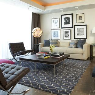 Foto di un soggiorno moderno con pareti bianche