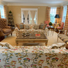 Traditional Living Room by Cynthia Evans Interiors