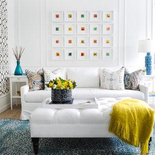 Nordisk inredning av ett mellanstort separat vardagsrum, med vita väggar, mellanmörkt trägolv, en standard öppen spis, en spiselkrans i trä, brunt golv och ett finrum