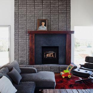 Photo of a retro living room in Kansas City.