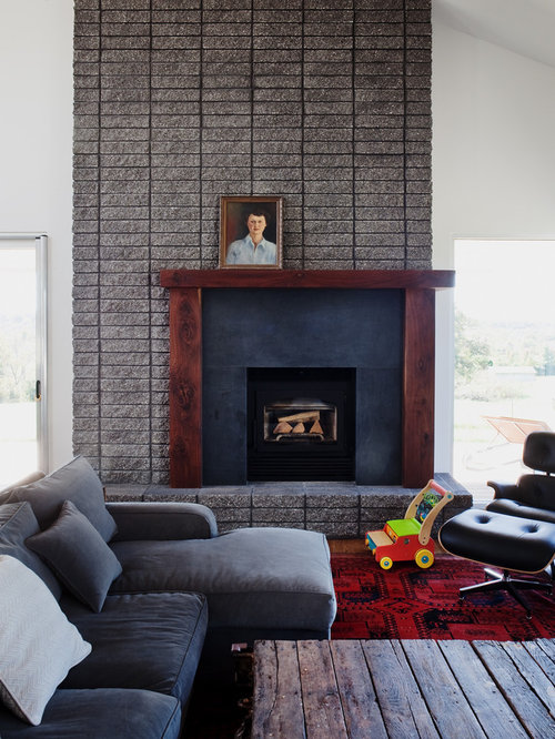 center fireplace houzz