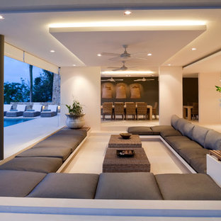 Bon Large Island Style Open Concept Living Room Photo In London