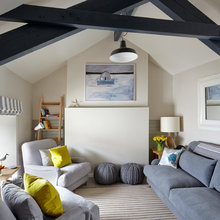 Houzz Tour: Calm Descends on a Cottage at the Sea
